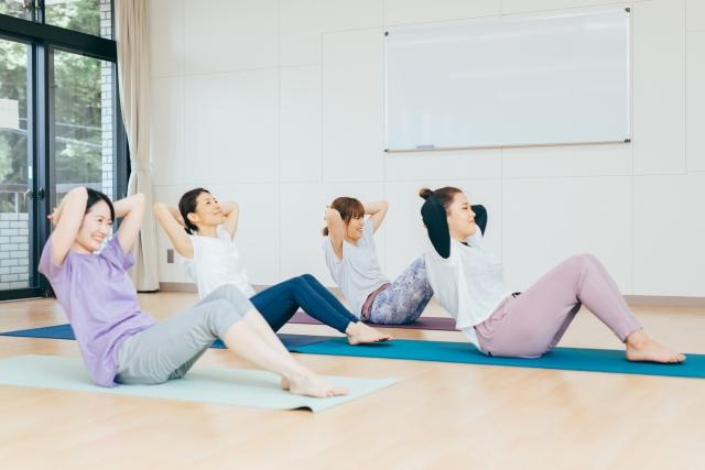 当院では腰が痛い人に腹筋運動を頑張らないことをオススメしています。